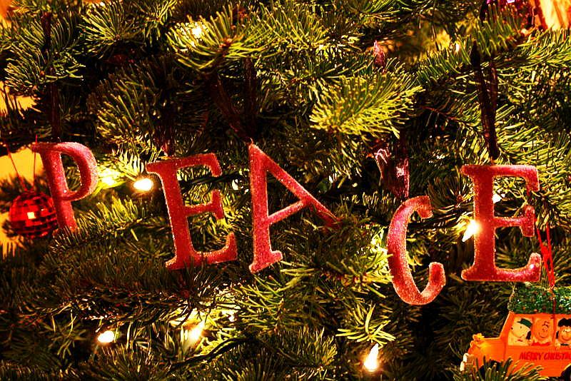 christmas-tree-peace-ornaments
