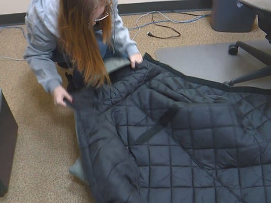 coat-sleeping-bag-2_1482975432277_7491998_ver1-0